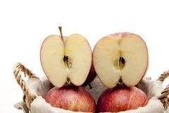 Manzana partida en dos Fotografía de archivo libre de regalías
