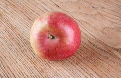 Manzana roja en el vector Fotos de archivo