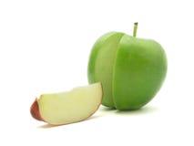 Manzana roja y verde cortada Imagenes de archivo