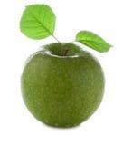 Manzana verde fresca y mojada Fotografía de archivo libre de regalías