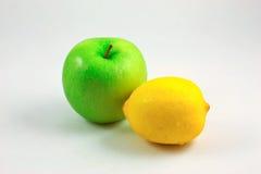 Manzana y limón verdes Imagen de archivo libre de regalías