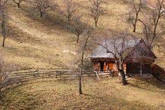 Manzanar Y casa de la ladera fotografía de archivo libre de regalías