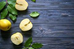 Manzanas amarillas maduras Fotografía de archivo