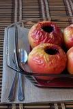 Manzanas cocidas al horno Imagenes de archivo