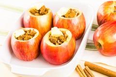Manzanas cocidas al horno Imágenes de archivo libres de regalías
