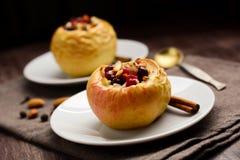 Manzanas cocidas rellenas Imagen de archivo