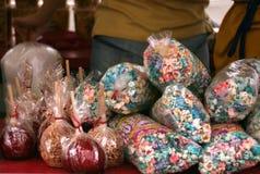 Manzanas de las palomitas y de caramelo Imágenes de archivo libres de regalías