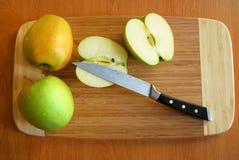 Manzanas del corte Foto de archivo libre de regalías