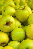 Manzanas deliciosas de Goldent Fotografía de archivo libre de regalías