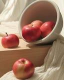 Manzanas derramadas Imagen de archivo libre de regalías