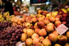 Manzanas en Florencia Imágenes de archivo libres de regalías