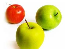 Manzanas en un fondo blanco Foto de archivo libre de regalías