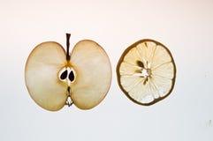 Manzanas finas y limon de las FO de la rebanada Fotografía de archivo libre de regalías