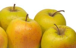 Manzanas frescas apetitosas aisladas en el primer blanco Fotografía de archivo libre de regalías