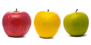 Manzanas frescas rojas, amarillas y verdes Imágenes de archivo libres de regalías