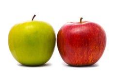 Manzanas frescas verdes y rojas Imagen de archivo libre de regalías