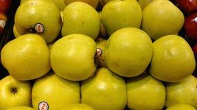 Manzanas 'golden delicious' Imagen de archivo libre de regalías
