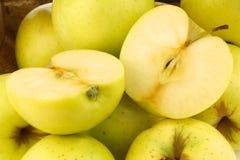 Manzanas 'golden delicious' frescas Foto de archivo