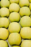 Manzanas 'golden delicious', llenando el marco Imágenes de archivo libres de regalías