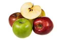 Manzanas orgánicas en embalaje Fotografía de archivo libre de regalías