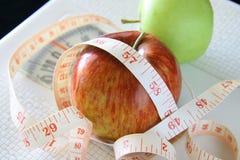 Manzanas para la pérdida y la salud de peso foto de archivo libre de regalías
