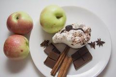 Manzanas, peras y tiramisu Imágenes de archivo libres de regalías