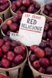 Manzanas red delicious para la venta Imagen de archivo
