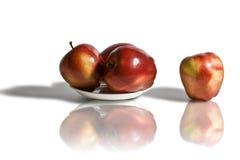Manzanas rojas en blanco Fotografía de archivo libre de regalías