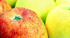 Manzanas rojas y verdes Foto de archivo libre de regalías