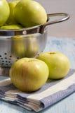 Manzanas verdes Foto de archivo libre de regalías
