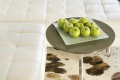 Manzanas verdes en el vector de la sala de estar Imagen de archivo libre de regalías