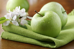 Manzanas verdes frescas Fotografía de archivo libre de regalías
