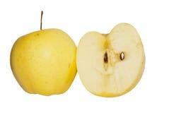 Manzanas verdes maduras aisladas en blanco foto de archivo