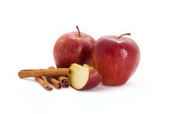 Manzanas y cinamomo Imagen de archivo libre de regalías