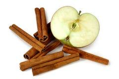 Manzanas y cinamomo de Mcintosh Fotografía de archivo libre de regalías