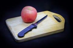 Manzanas y ciruelos foto de archivo