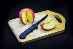 Manzanas y ciruelos fotos de archivo libres de regalías