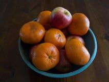 Manzanas y mandarines Imagen de archivo libre de regalías