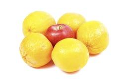 Manzanas y naranjas Fotos de archivo libres de regalías