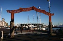 Maori Entrance Gate no porto do viaduto, Auckland, Nova Zelândia fotografia de stock