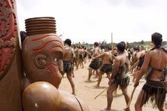 Maori- Haka (Krieg) Tanz bei Waitingi in Neuseeland lizenzfreies stockbild
