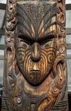 Maori Mask que talla, Rotorua, Nueva Zelanda Imagen de archivo