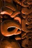 Maori- Schnitzen stockfotos