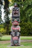 Maori- Schnitzen stockbild