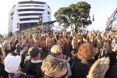 Maori strijders paraderen RWC 2011 Stock Afbeeldingen