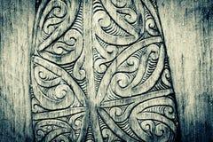 Maori Wood Carving imponente de Nueva Zelanda imagenes de archivo