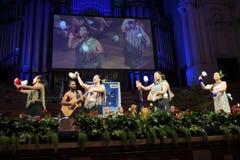 Maorikulturshow under nyazeeländsk medborgarskapceremoni Arkivfoto