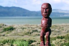 Maoriträskulptur arkivfoton