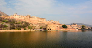Maota jezioro, Amer pałac i Amer fort () jaipur Rajasthan indu Obraz Stock