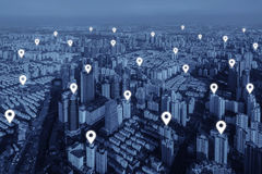 Map pin flat of network connection in city. Royalty Free Stock Images